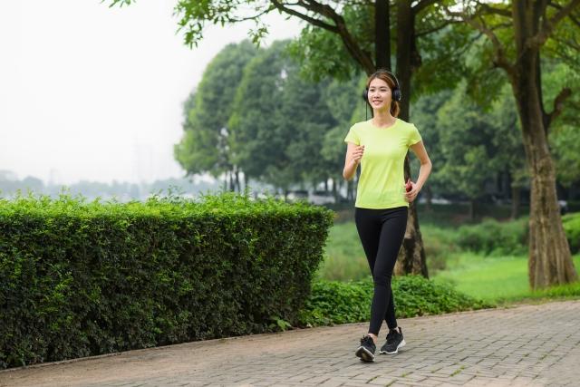 運動は、有酸素運動のウォーキングを1日合計30分くらい